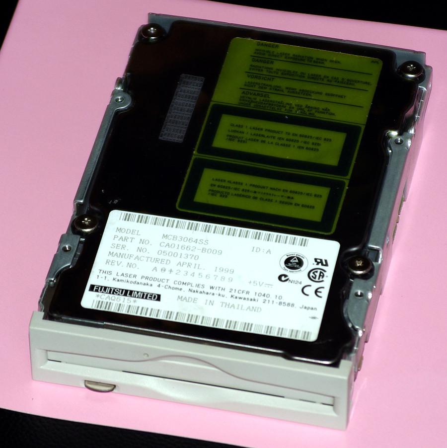 光磁気ディスクドライブを2個購...